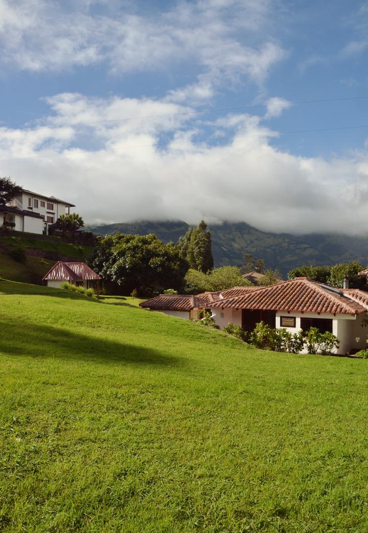 Luna Runtun Eco Lodge overlooking the town of Baños