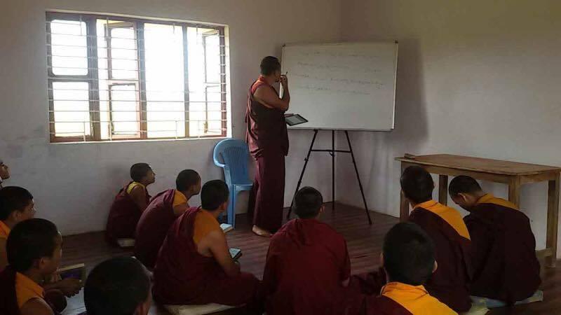 Mainpat_Teacher_Class_Students1.jpg