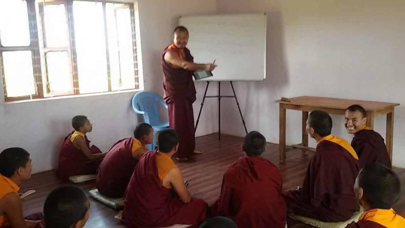 Mainpat_Teacher_Class_Students4.jpg
