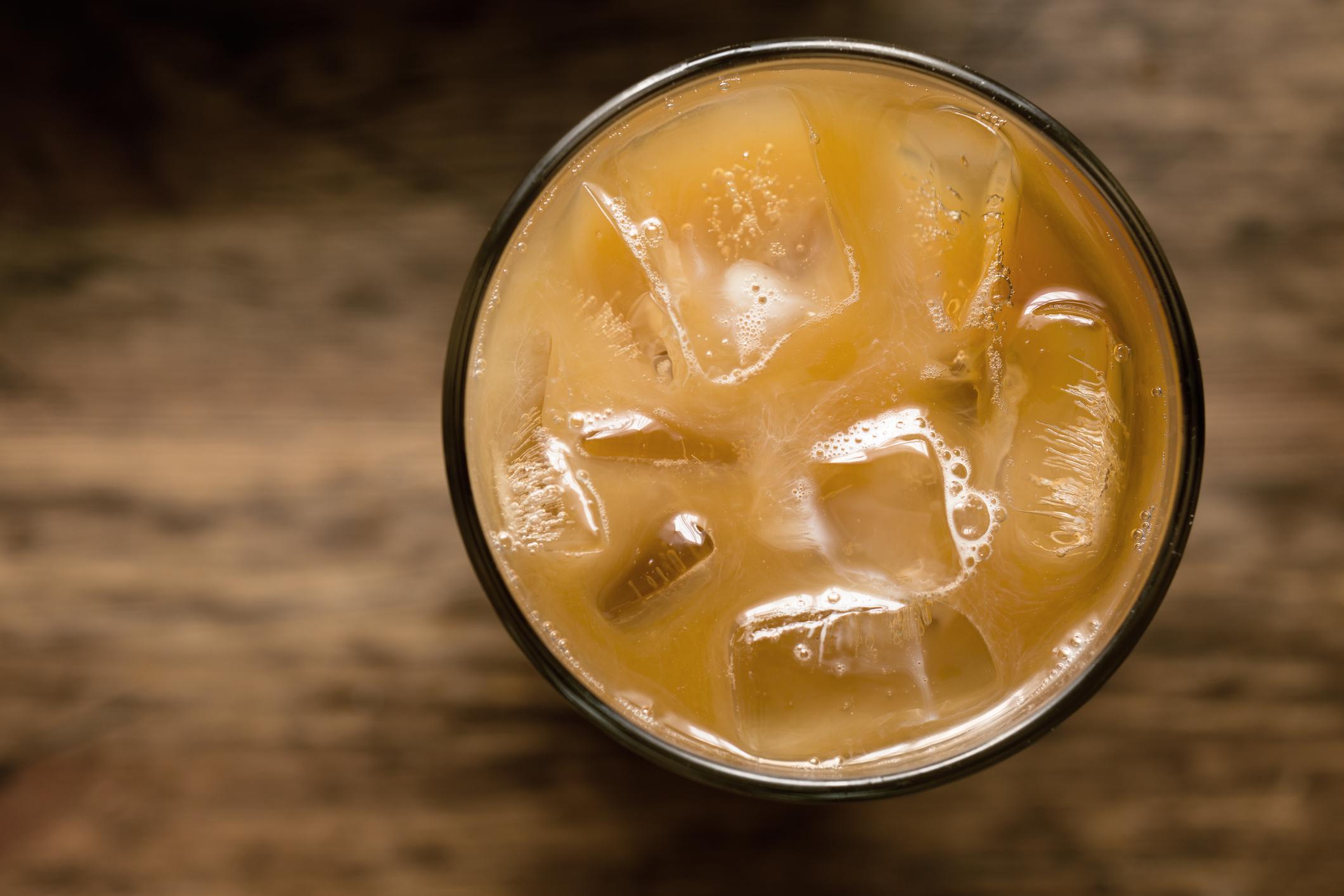 Cold Drinks - *organicCafe' *LemonaideCafe' Wildberry Herbal Iced Tea*Apple JuiceIced *ChaiIced *Americano or *ExpressoIced Latte*All *Milks
