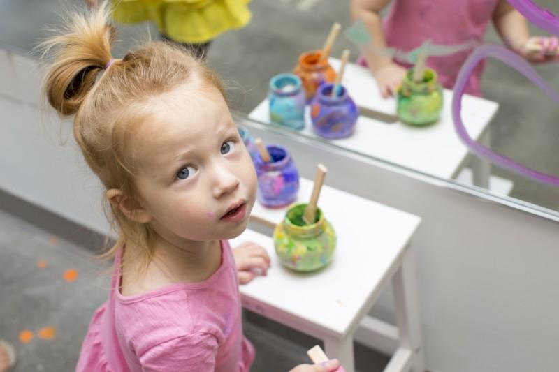 girl contemplates art (800 x 533).jpg
