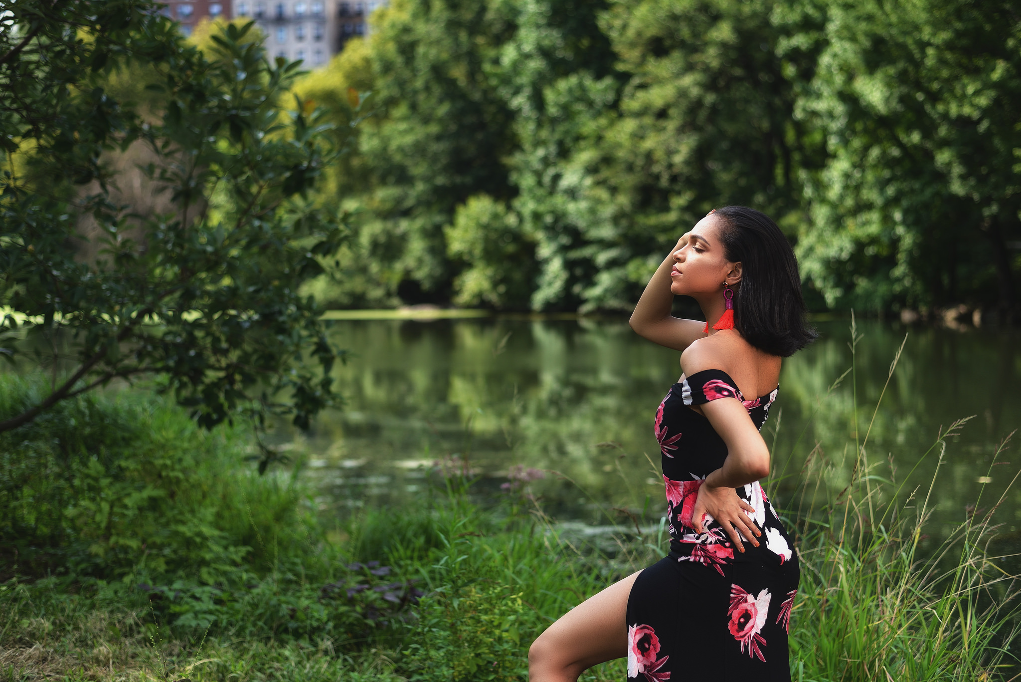 Kiki Pena - Glamour and beauty in the park