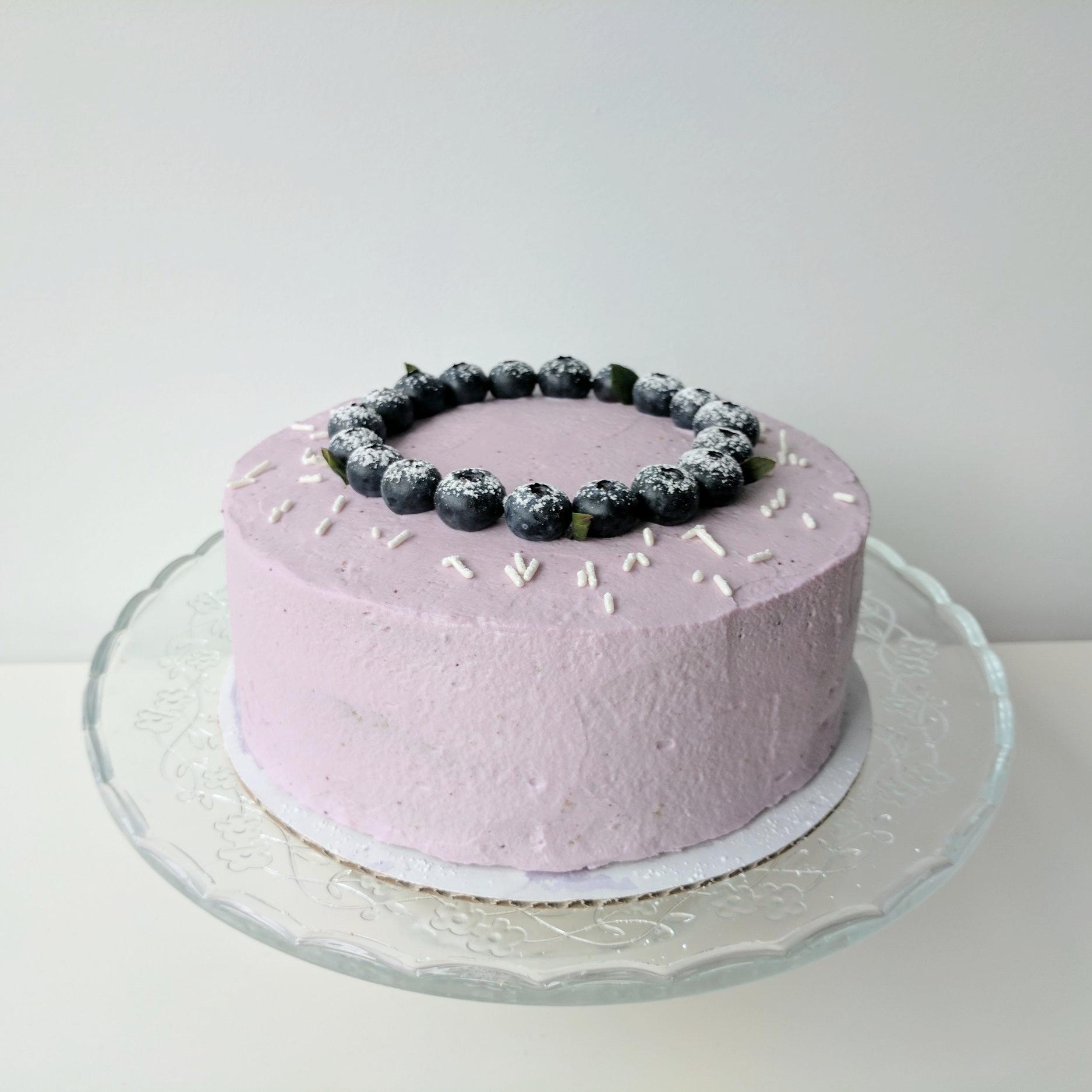 "Displayed image of a 7"" cake."
