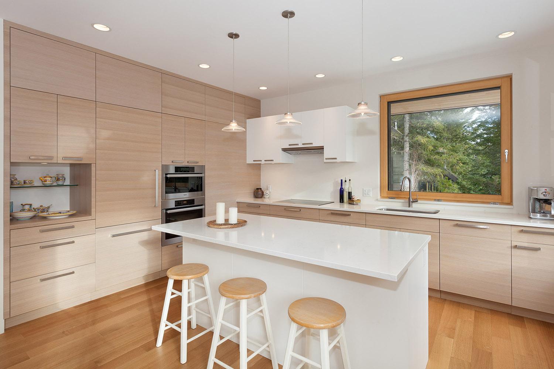 8531 Kitchen.jpg