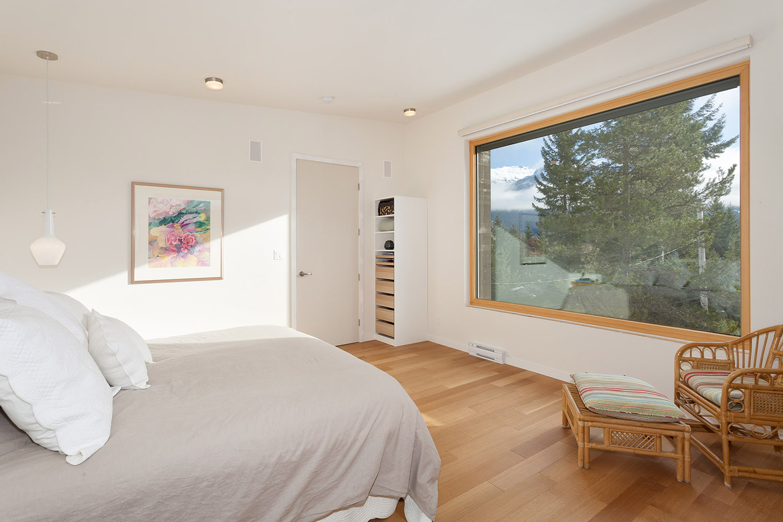 8531 Master Bedroom.jpg