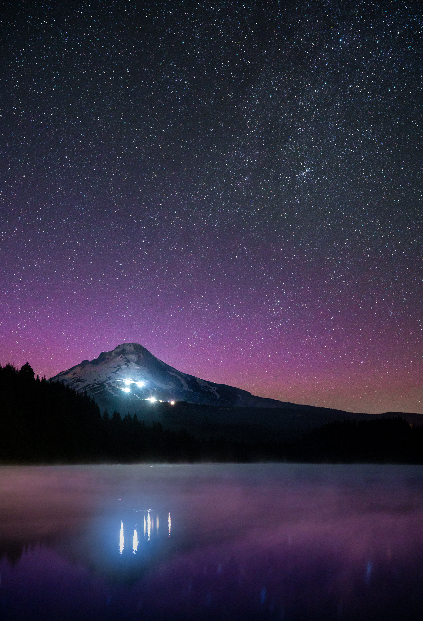 Trillium Lake Lights,  Sony A7RII ,  Sony Zeiss Distagon 35mm f/1.4  , 20 sec, f/2.8, ISO 3200