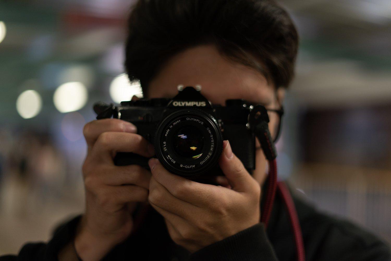 Sony A9 + Sony FE 50mm f/1.8 (f/1.8, 1/100sec, ISO400)