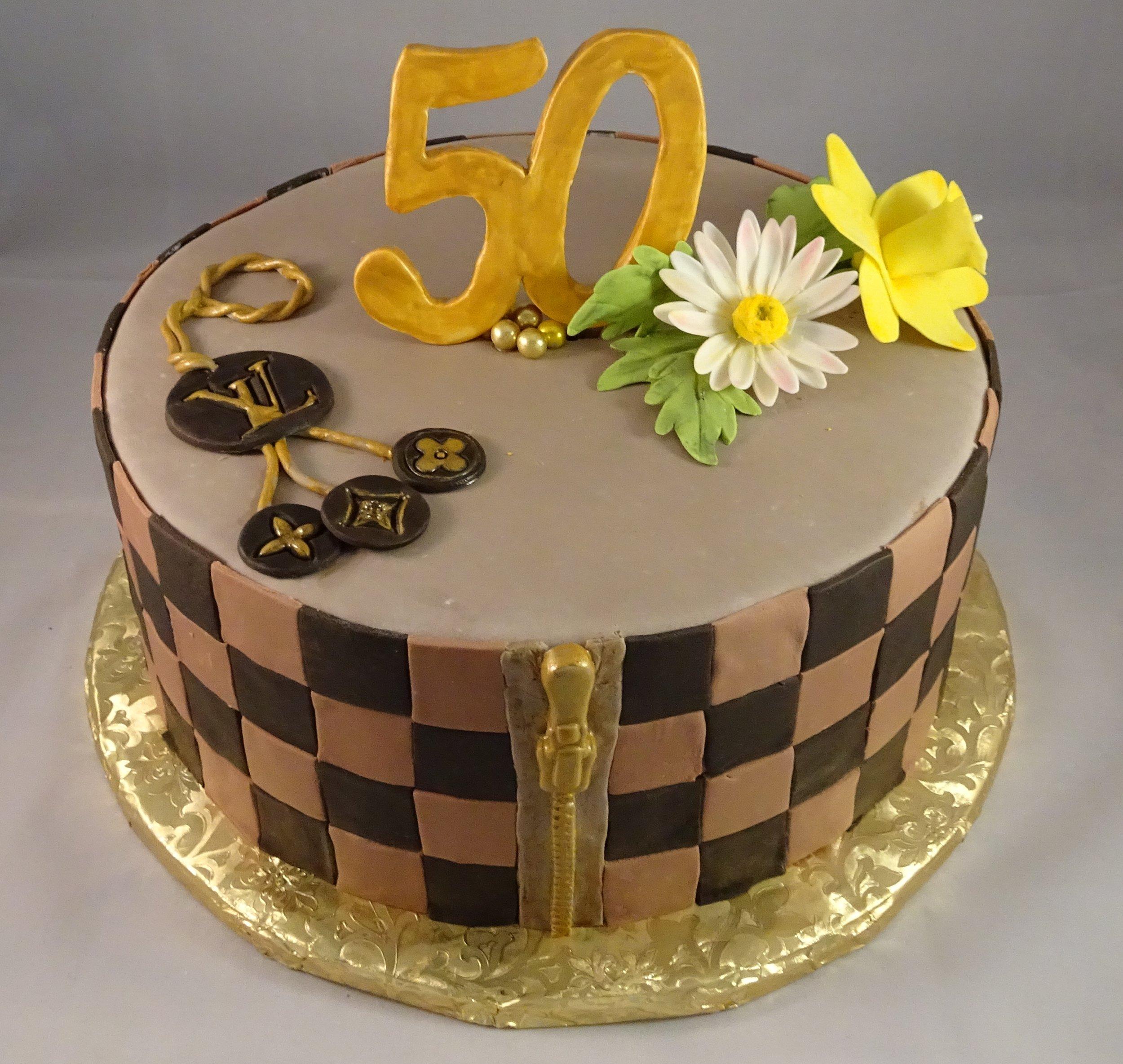 Cake Louis Vuitton.JPG