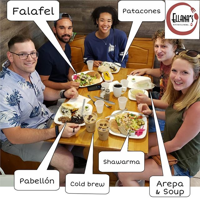 Unsure of what to eat when you go out with your friends? Do what this awesome group of friends did, choose between our Venezuelan and Mediterranean options and try it all! #newtoncenter #newtonfoodies #newtonmass #venezuelanfood #comidavenezolana #mediterraneanfood #bostonfood #bostonfoodies #venezolanosenboston #venezuelansinboston #eatwithfriends #arepas #falafel #shawarma #patacones