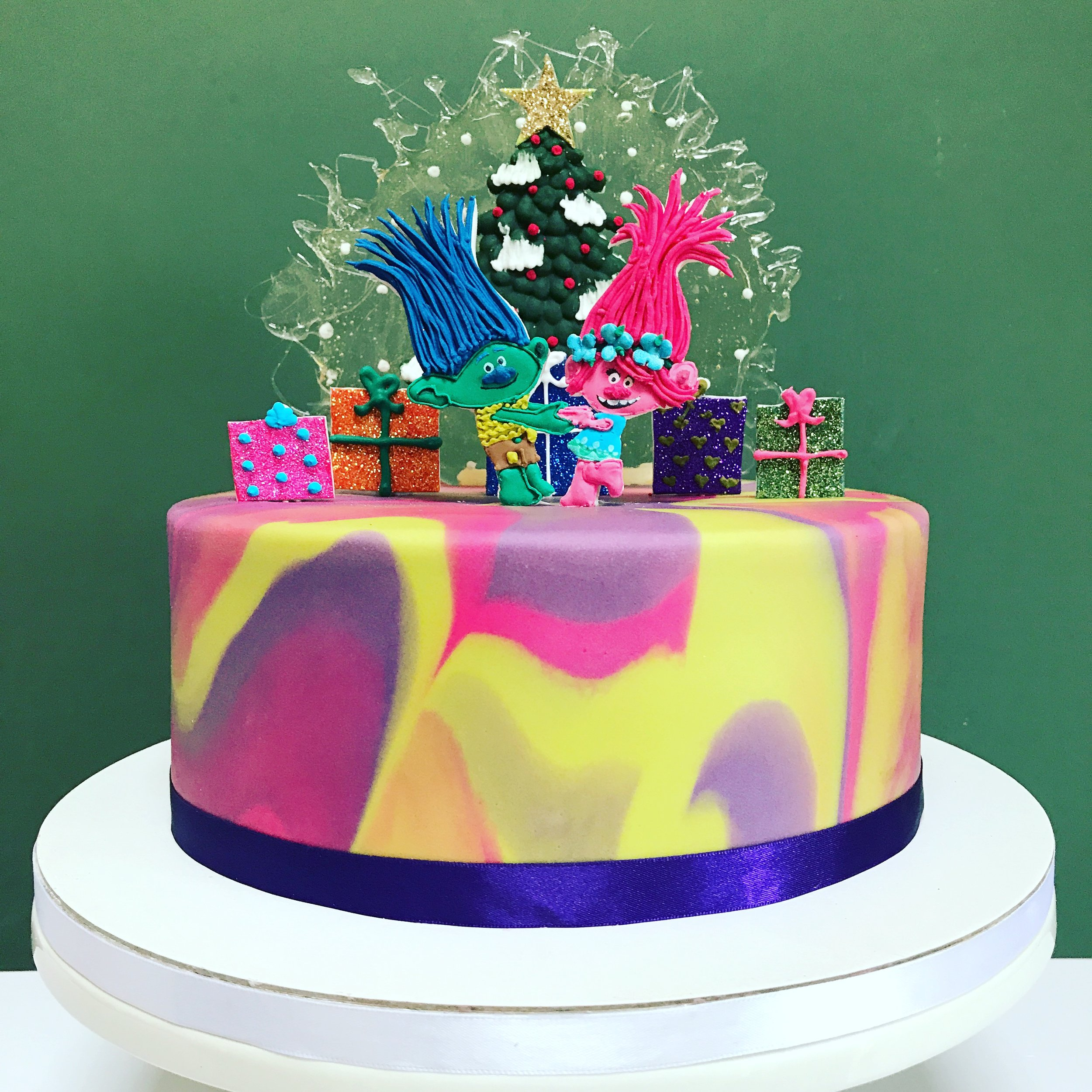 Trolls Christmas Cake.JPG