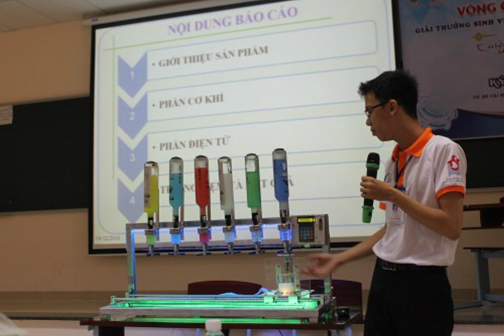 Sở Khoa học và Công nghệ mong muốn hoạt động sáng tạo, nghiên cứu của thanh thiếu niên TP.HCM thực chất hơn. Trong ảnh: Giới thiệu công trình nghiên cứu tại cuộc thi Sinh viên nghiên cứu khoa học Euréka do Thành đoàn tổ chức.