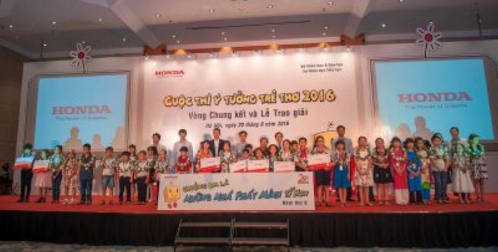 """Lễ trao giải thưởng """"Ý tưởng trẻ thơ"""" năm 2016"""