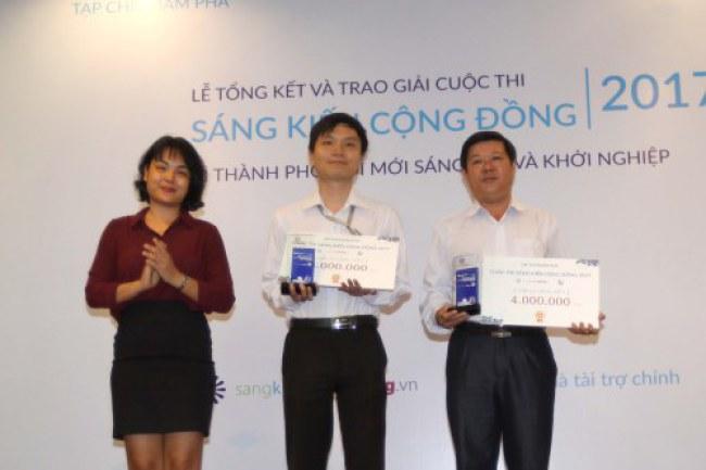 Các tác giả đạt giải 3 nhóm Sáng kiến cộng đồng.