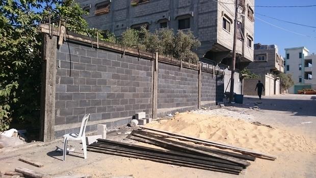Một bức tường xây từ gạch Greencake.