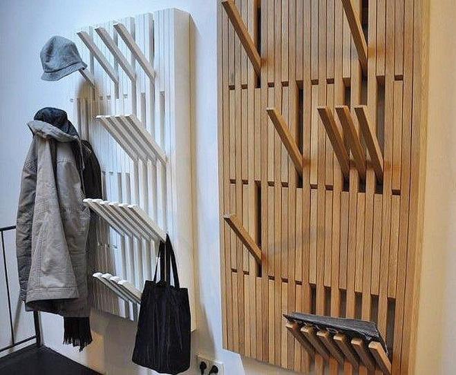 """Móc quần áo phong cách """"Phòng theo Yêu Cầu"""" trong Harry Potter, cần dùng thì mở ra, dùng xong thì đóng lại thành bức tường phẳng phiu."""