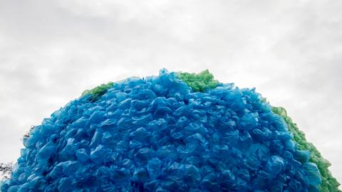 Phần lớn nguyên vật liệu xây dựng hầu hết đều được lấy từ tự nhiên và nguyên liệu tái chế.
