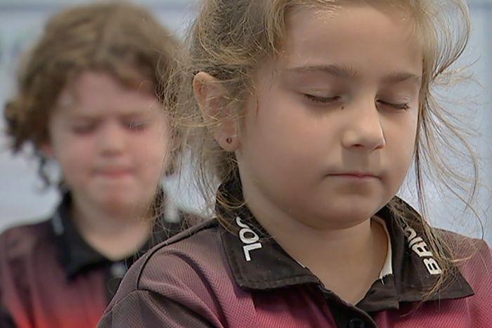 Thiền giúp các em học sinh giải tỏa mọi căng thẳng trong cuộc sống.