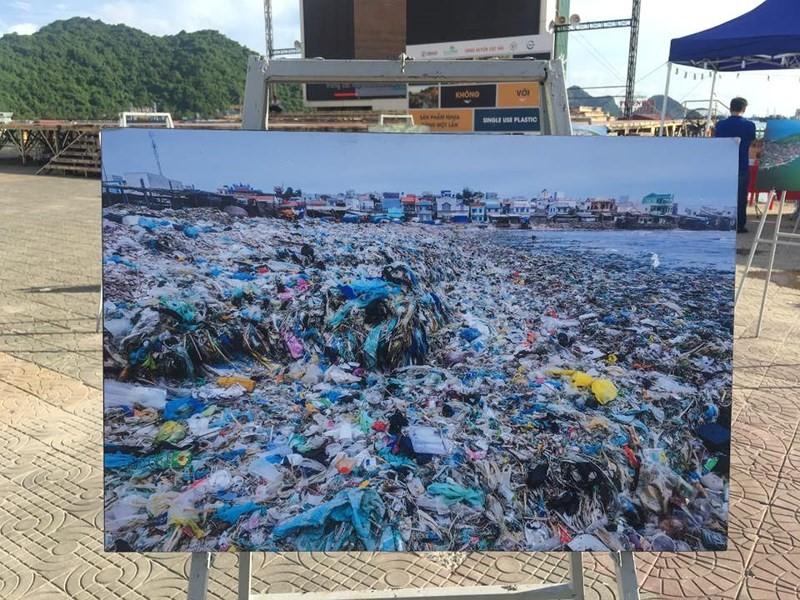 Cần hàng trăm năm để có thể phân hủy những rác thải nilon này.