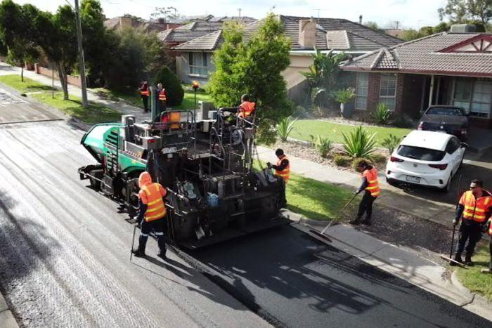 S ử dụng rác thải nhựa làm đường tại Australia.