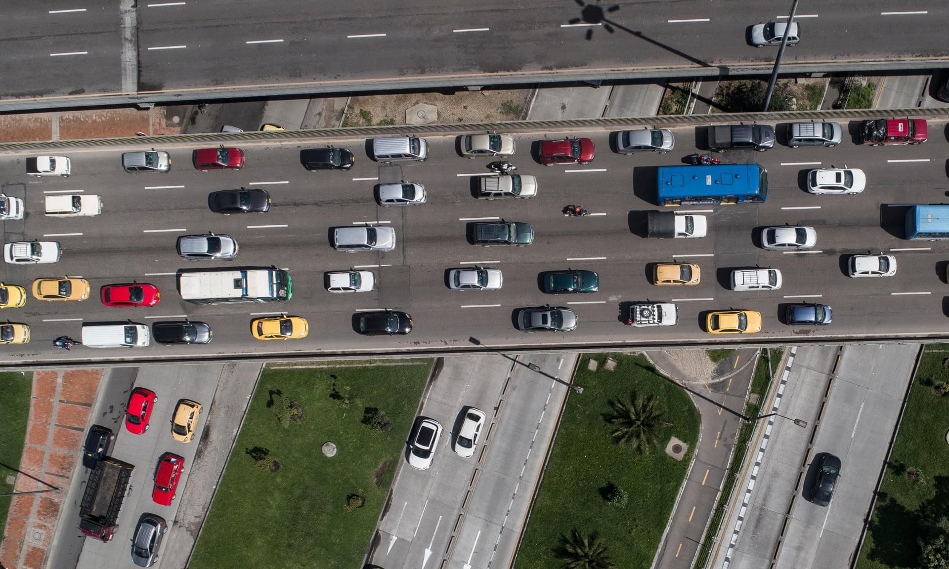 Các máy bay không người lái được trang bị camera độ phân giải cao sẽ chụp lại những trường hợp vi phạm giao thông.