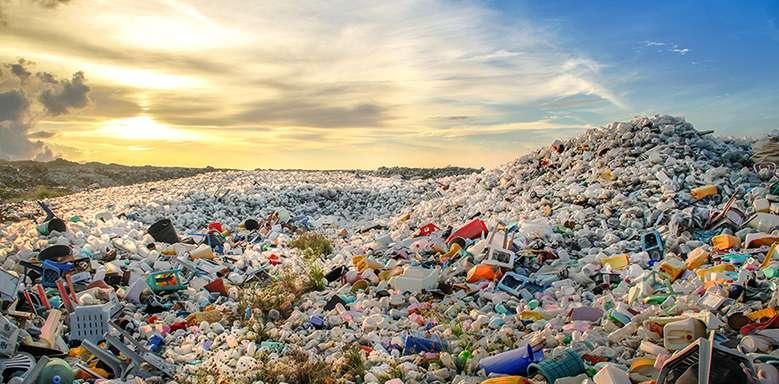 Trên thế giới hiện có hơn 8 triệu tấn nhựa đang được thải ra đại dương mỗi năm.