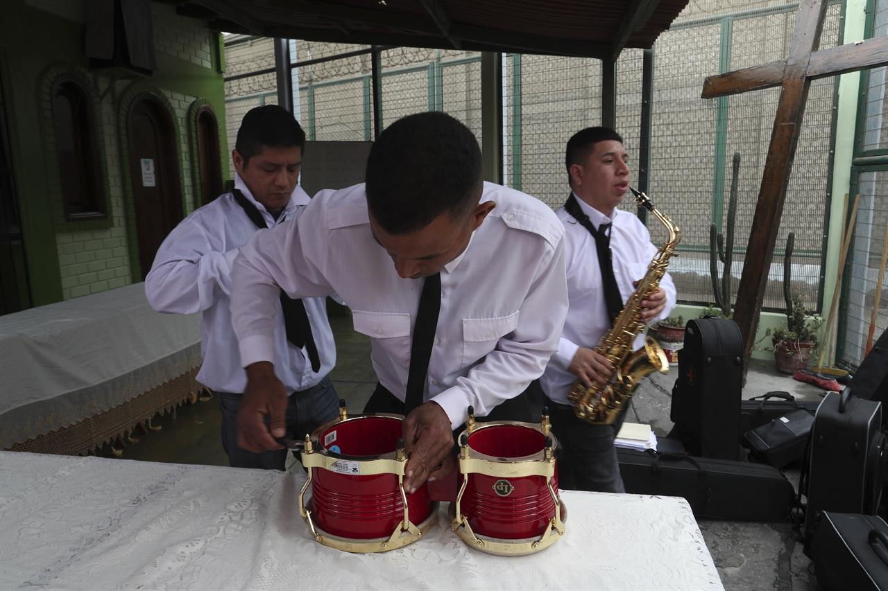 Kể từ năm 2017, Peru bắt đầu mở các lớp học âm nhạc dành cho tù nhân.