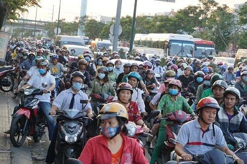 Không khí ô nhiễm có thể ảnh hưởng đến sức khỏe người dân. Ảnh: Hà Thế An.