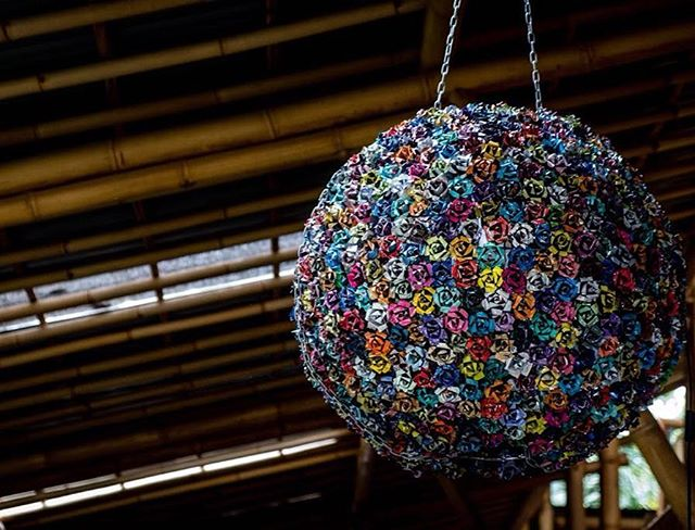 Tadaaa! ✨Could you ever imagine this transformation of 354 graffiti spray cans? After an inspiring period of 'eat, sleep, create' my precious bouquet is complete and hanging for the world to see (just how beautiful trash can be). 🌹 Dm for commissions & showcases.  ______ Photography by the greatest  @artisanalphoto  __________________  #2019 #floral #inspire #flowers #roses #garden #bouquet #sarahbutton #greenschoolbali #beauty #interior #upcycledeluxe #spraycans #spraycandelier #graffiti #urbanart #sculpture #illumination #light #lightart #recycleart #create #inspo #truecolors #exquisite #art #bali #queer #firstclass