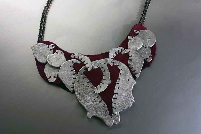 heart_necklace_800.jpg