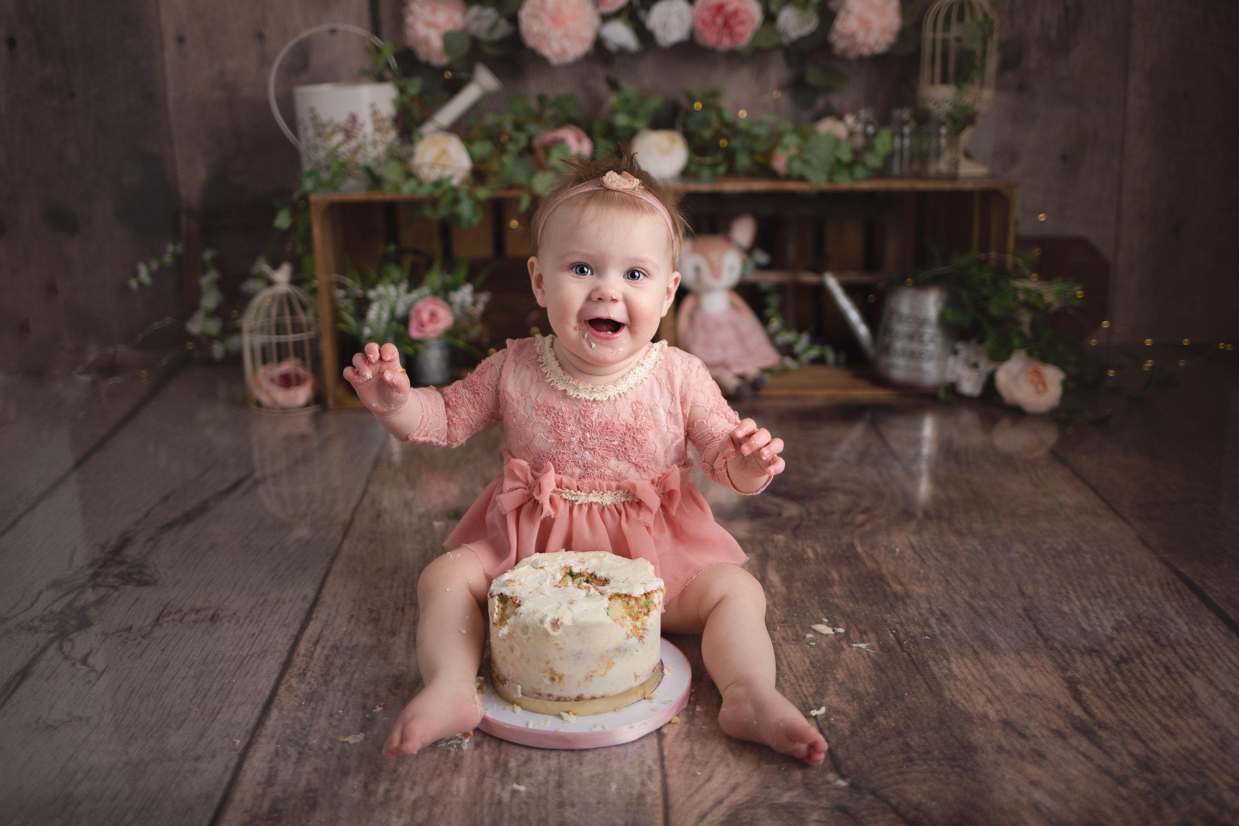 Amelia Cake Smash-270full.jpg