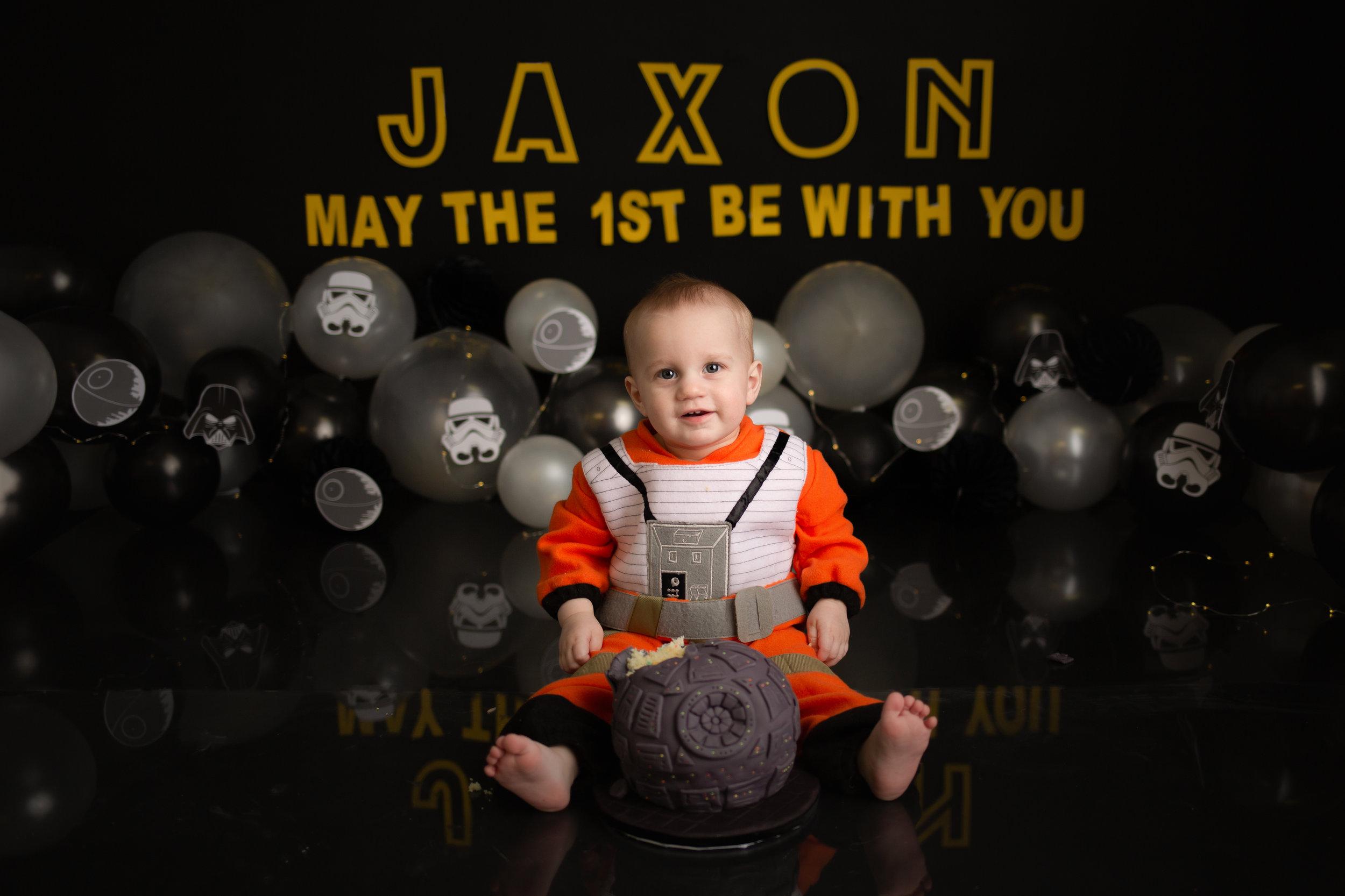 JaxonCakeSmash-93.jpg