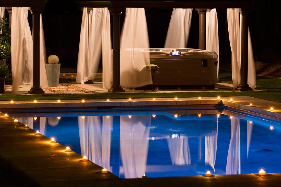 hot-tub-pool-retreat-night.jpg