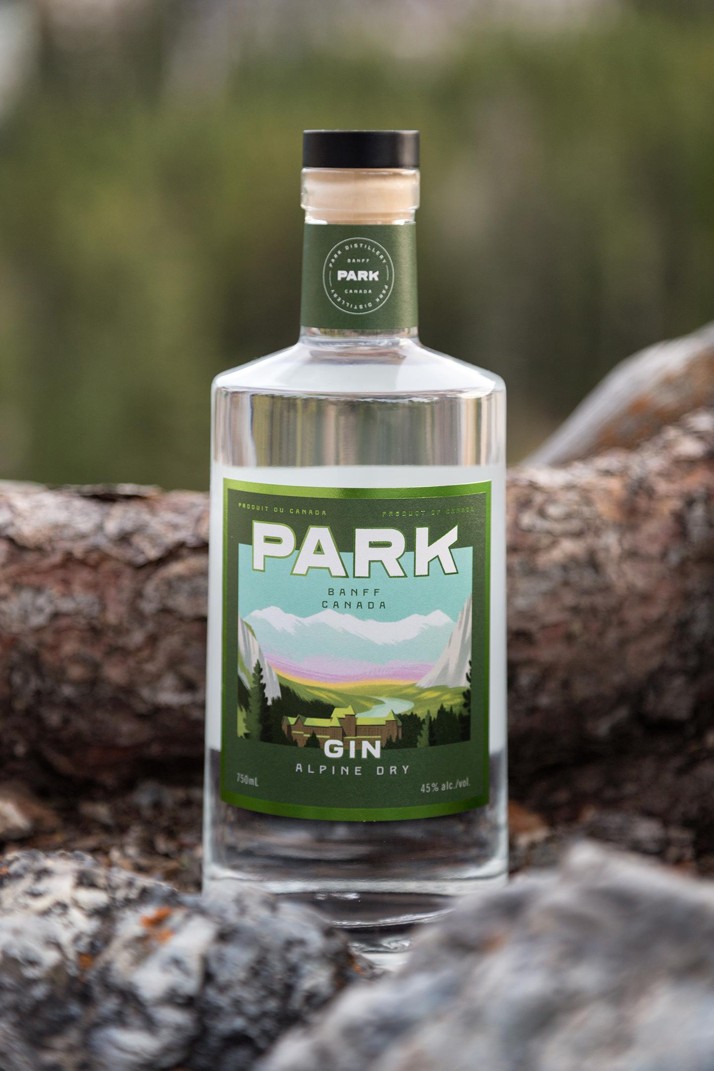 Alpine Dry Gin Close | Photo Credit: Lindsay Smith