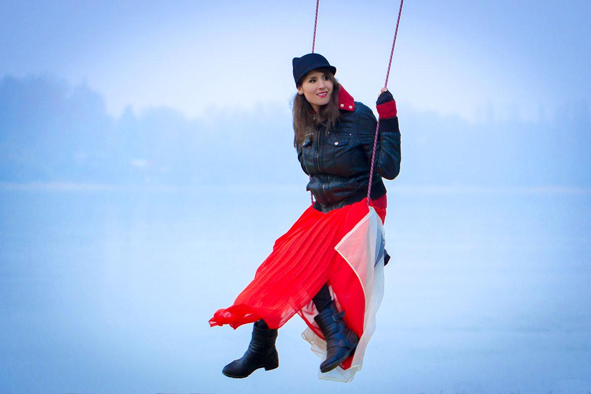 Extrém téli portfólió fotó, Duna fölött hintázva