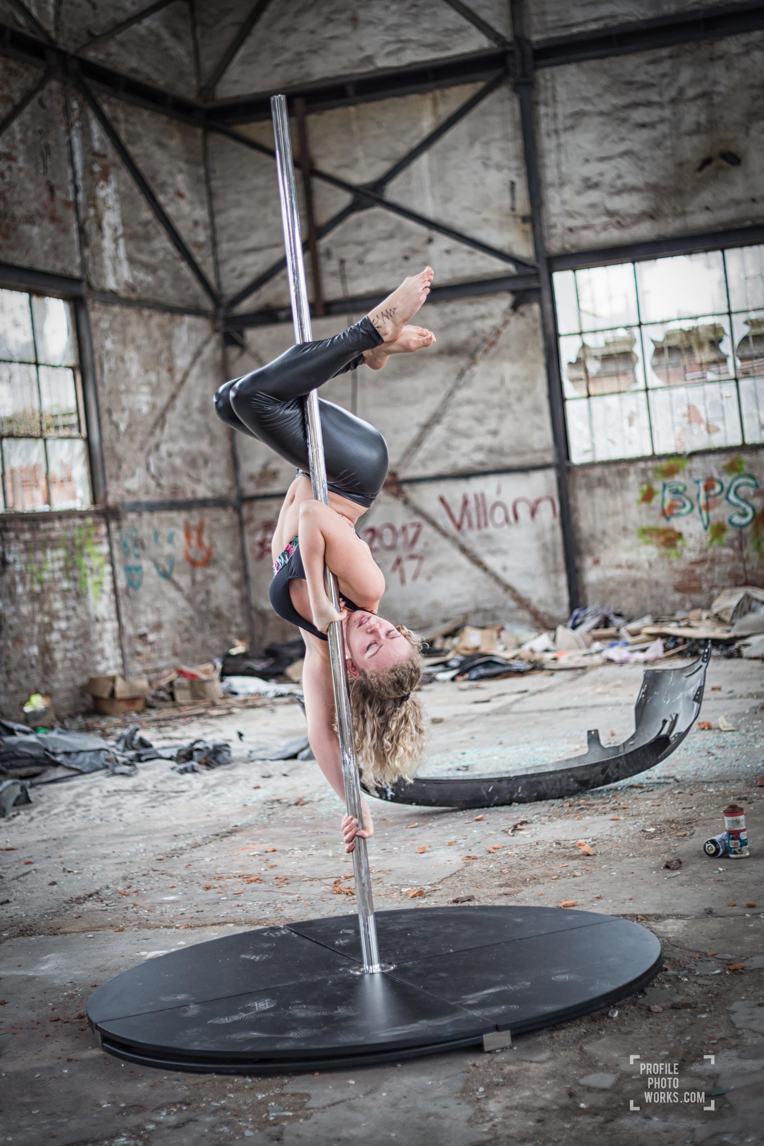 #2018   #poledancephotography   #favouriteplace   #hungarianpoledancer  #factorypoledance #gyartelepfotozas #rúdtáncfotózás