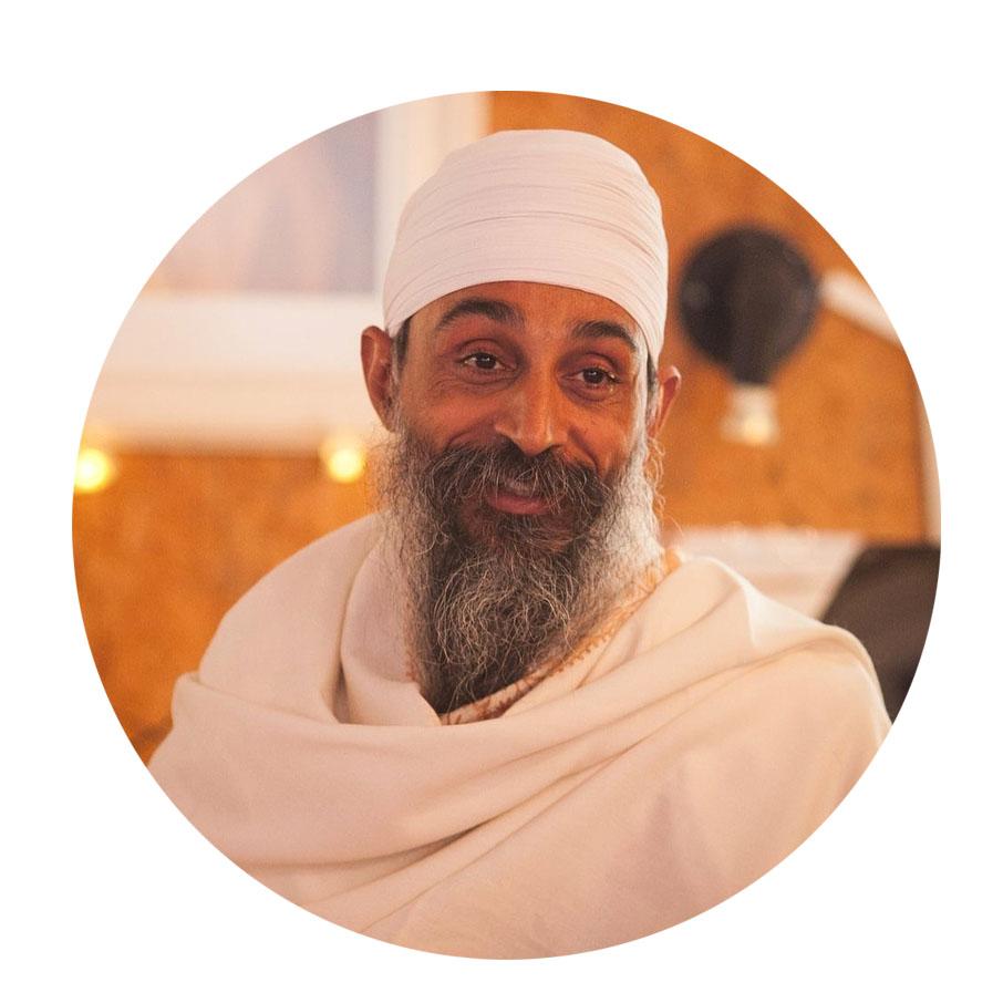 Parvinder Singh Khalsa  Guía Espiritual