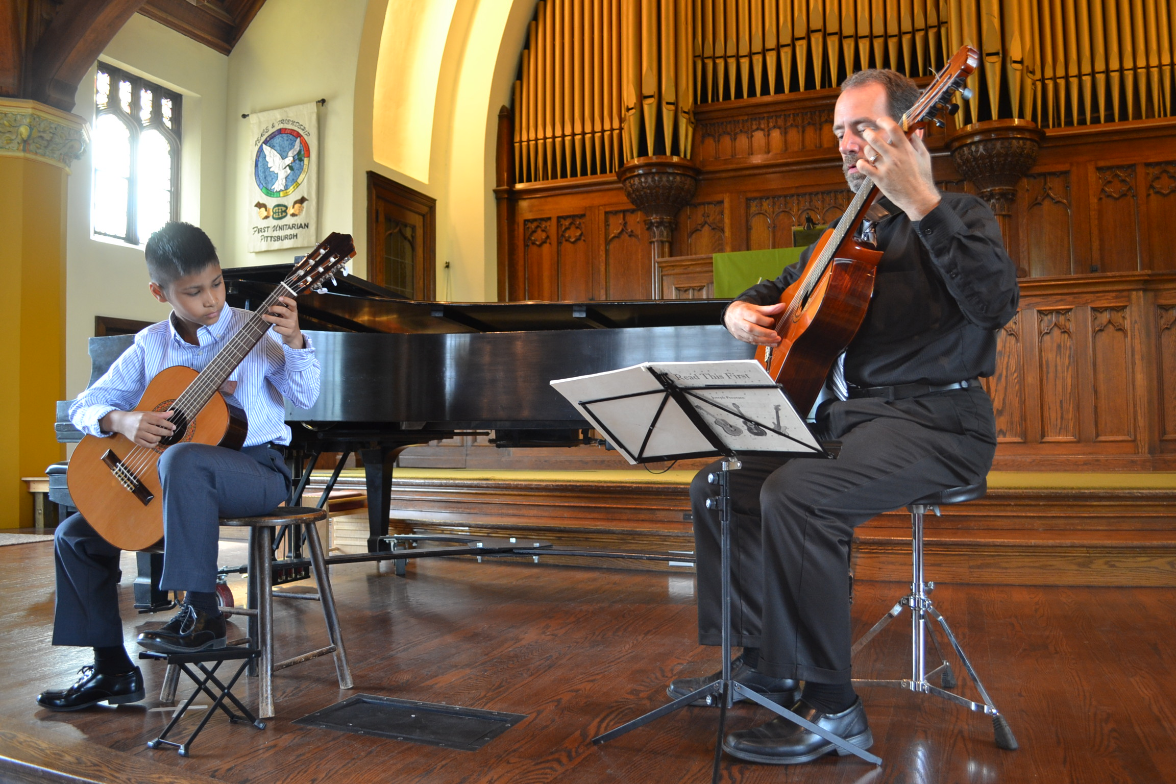 Graham Kunz and Mr. Mark perform at the Solo Recital