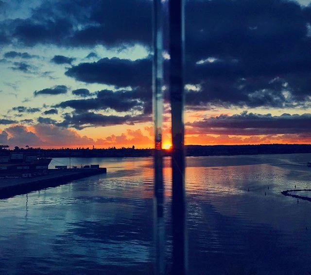Hemmed in sunset. #sandiego