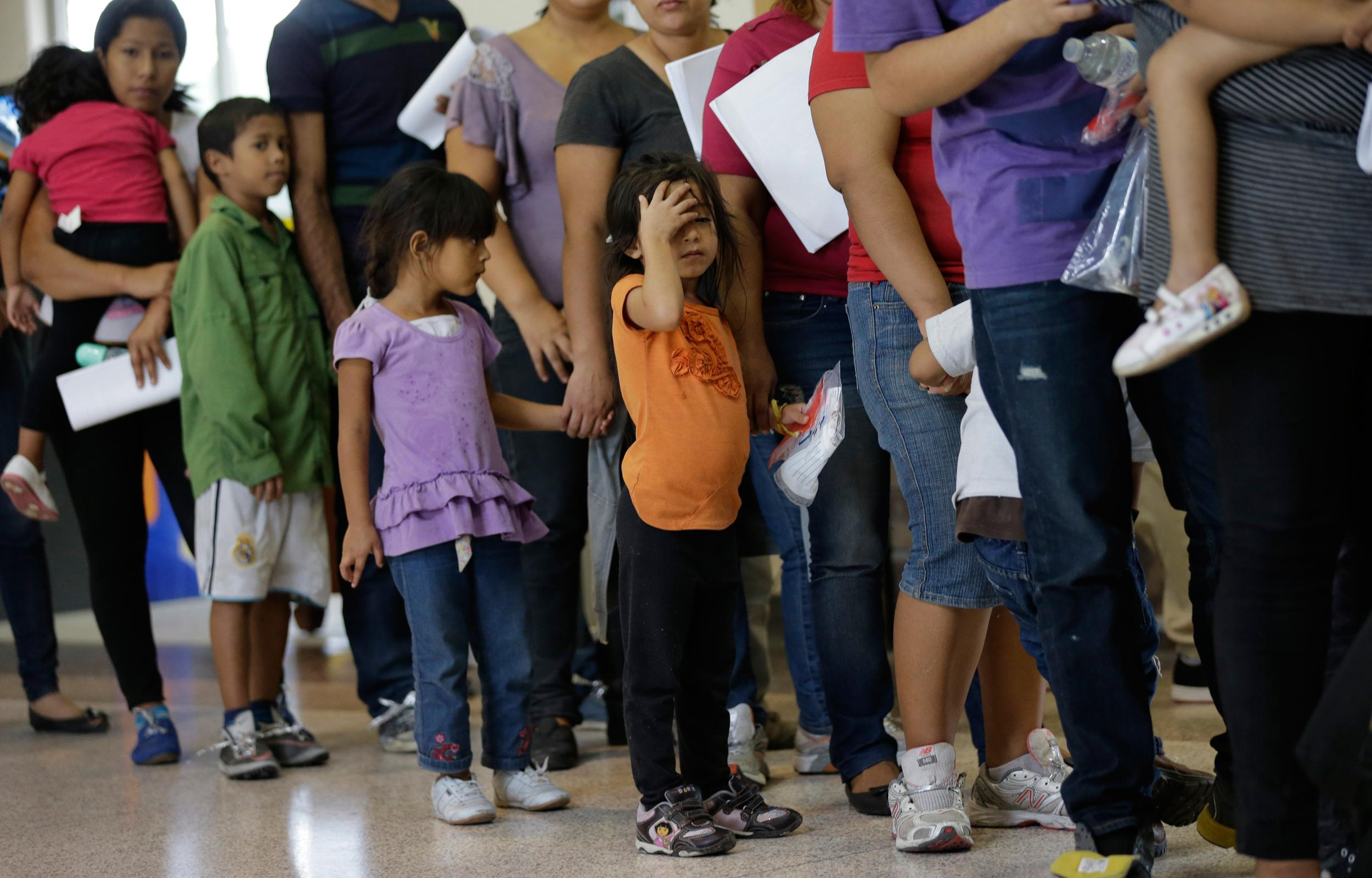 140713-immigration-children-border-1015a_aa2b90c8a46d4bd4bb8e2f3b0b4916af.jpg