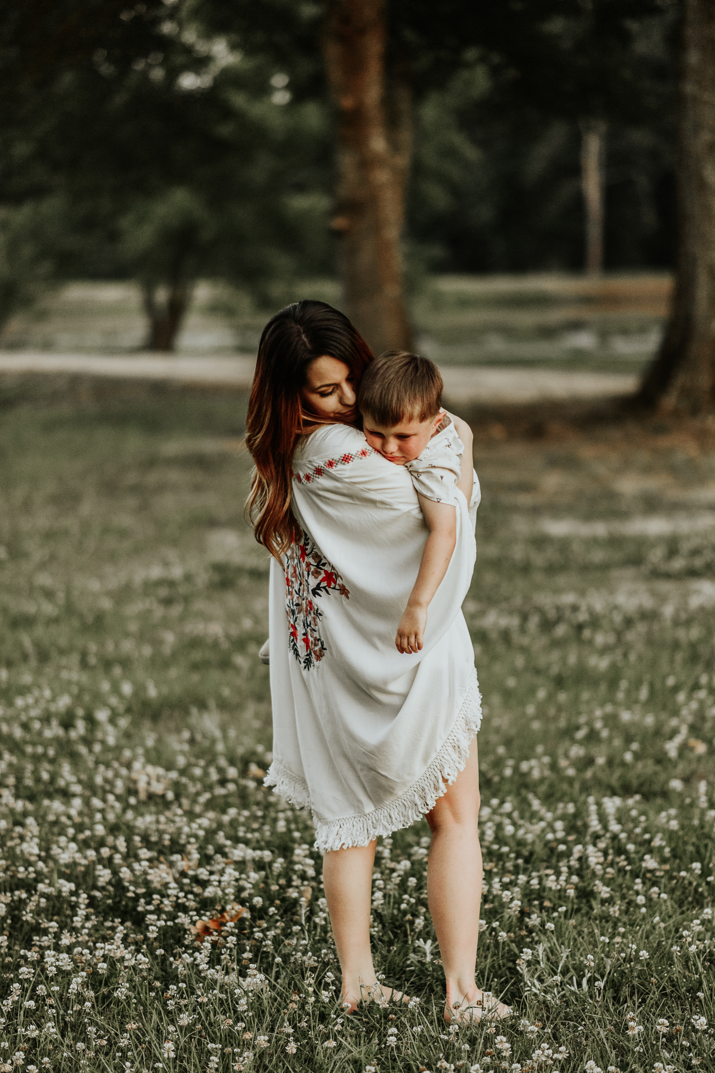 Mommy and Me Family Session on Country Land in Clinton, Louisiana by Baton Rouge photographer Magnolia and Grace Photography