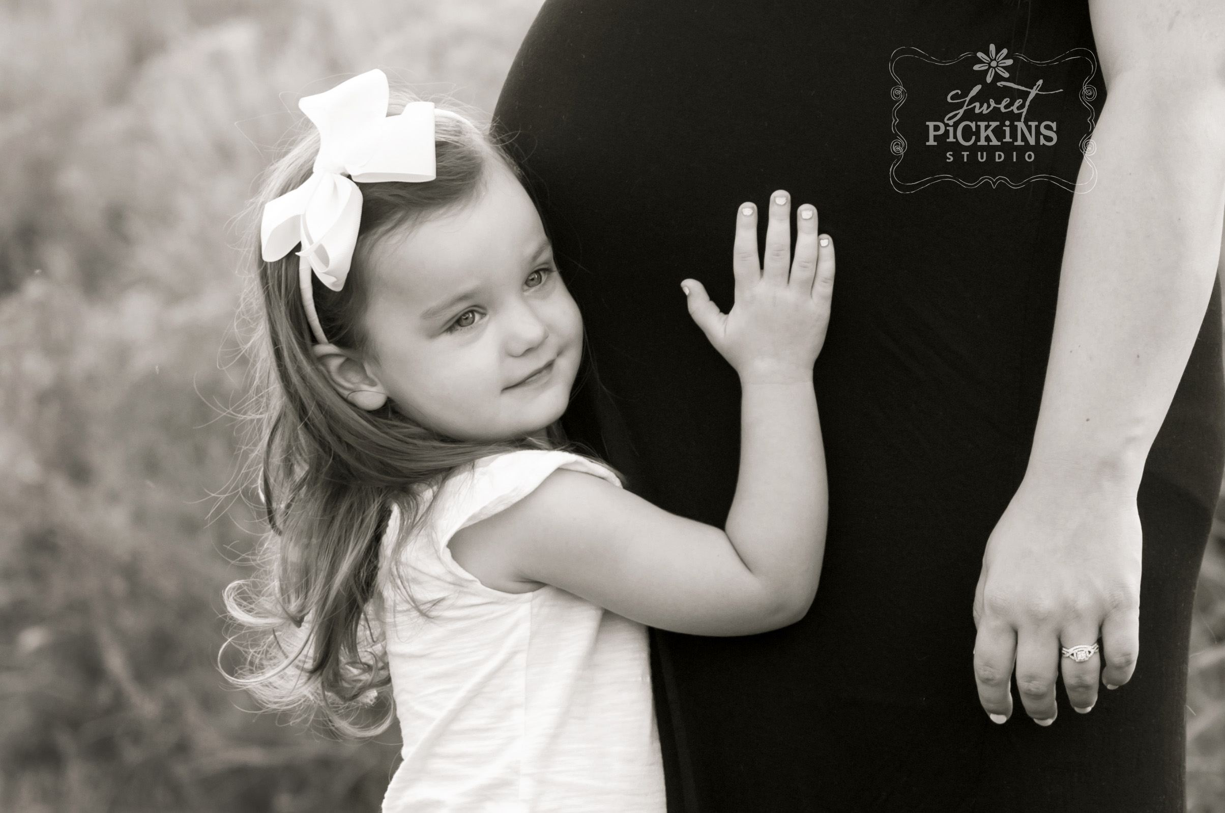 Peru, Indiana Black and White Baby Belly Photo Session in Field at Sunset | copyright Sweet Pickins Studio