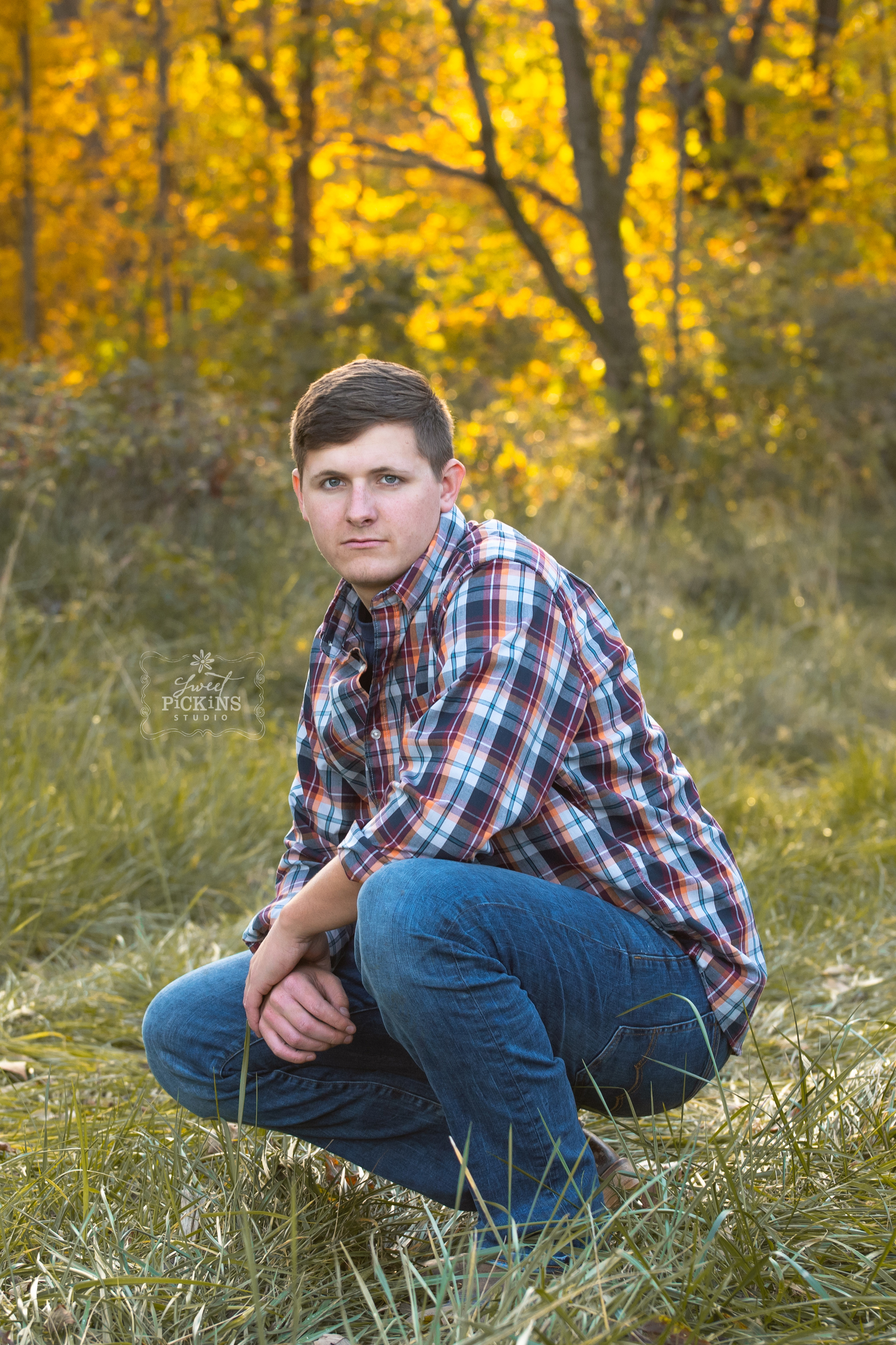 Bunker Hill, Indiana Senior Portrait Photography | Class of 2019 | Outdoor Fall Senior Guy