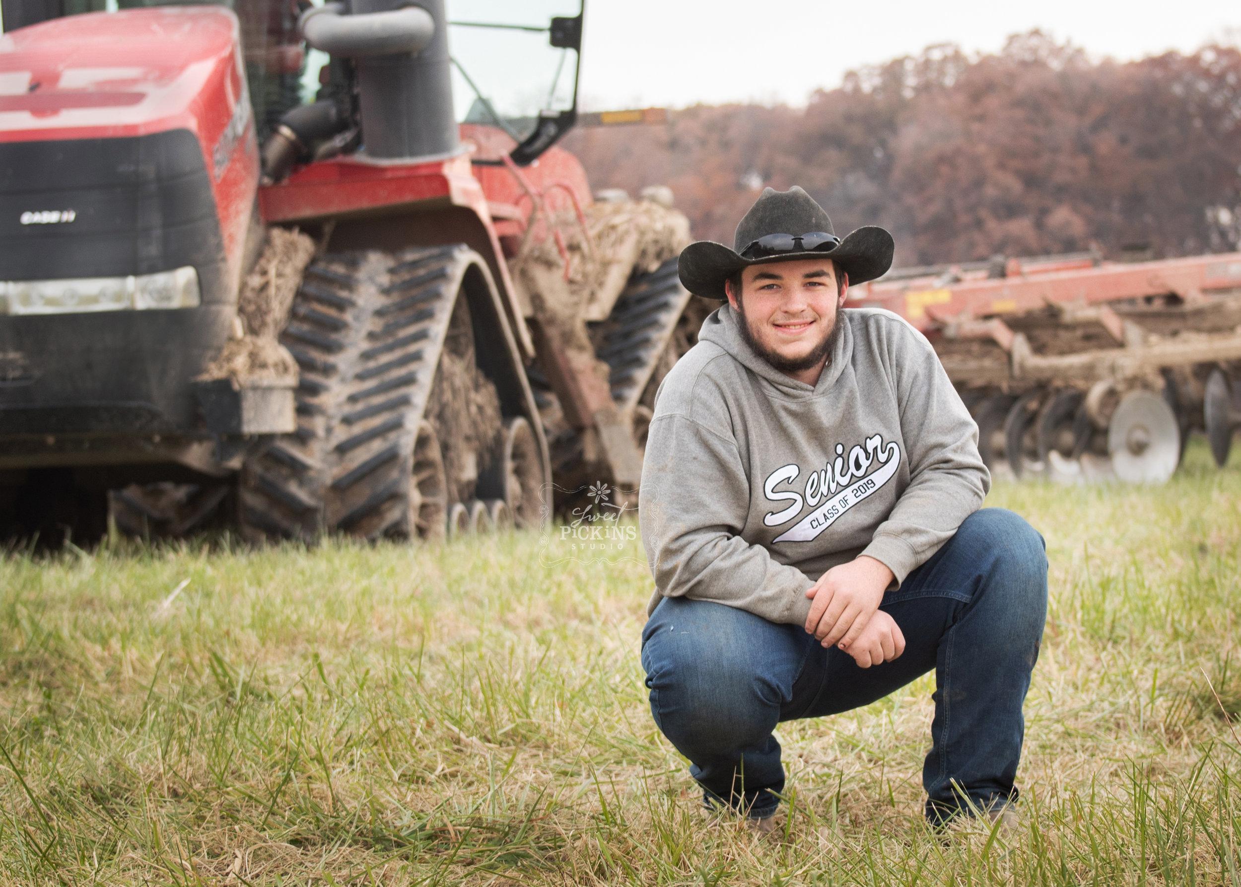 Farm Senior Portrait with Case IH Quad Trac Tractor in field | Huntington, Indiana Class of 2019
