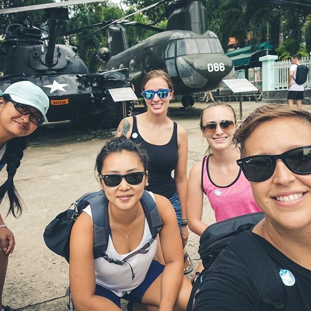 Spice girls 2.0. The better version. • • • •  #vietnam #vietnam🇻🇳 #travelphotography #travel #southeastasia #hochiminhcity #selfies #girlband #travelholic #travelgram #travelers #travel_captures #funtimes #lezgonow