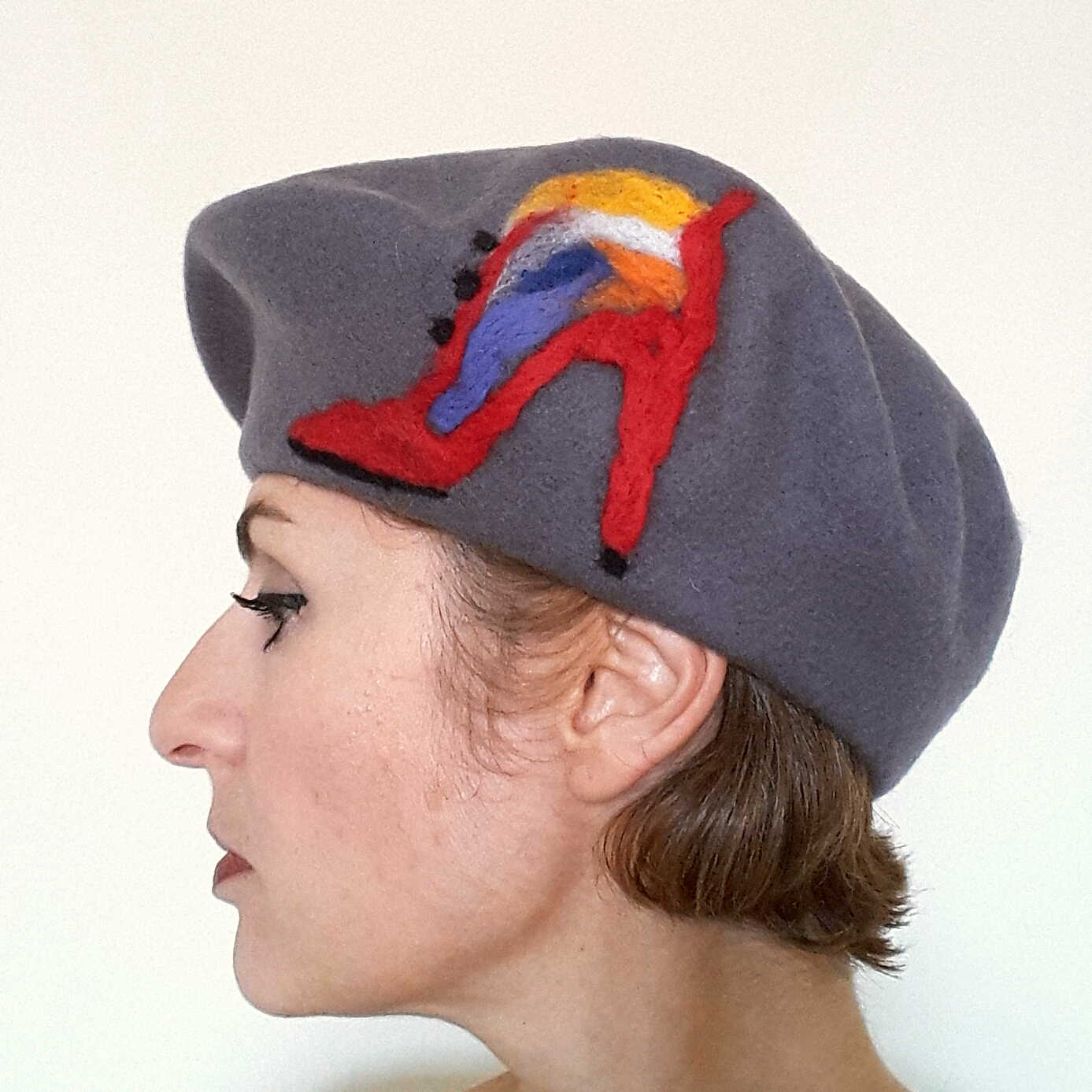 Gray beret with boot.jpg