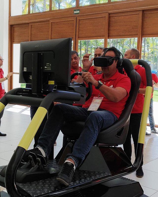 Nossos simuladores chegaram na Convenção Ajinomoto na Ilha de Comandatuba, na Bahia. 🏎🏝❤️