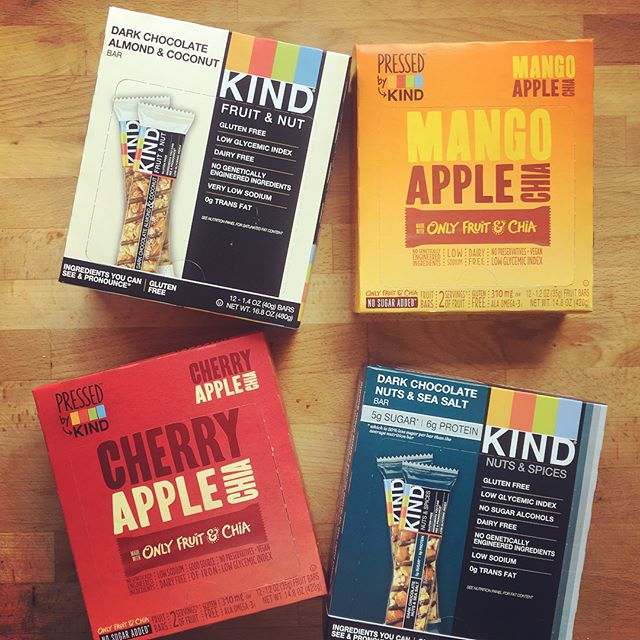 Hey @kindsnacks, thanks for being so cool and sending me all these delicious samples! What a fun present to find at my door 😊And thanks for making products that are free of gross chemies, added sugar, and weird fillers. You're definitely #dietitianapproved 👍🏼