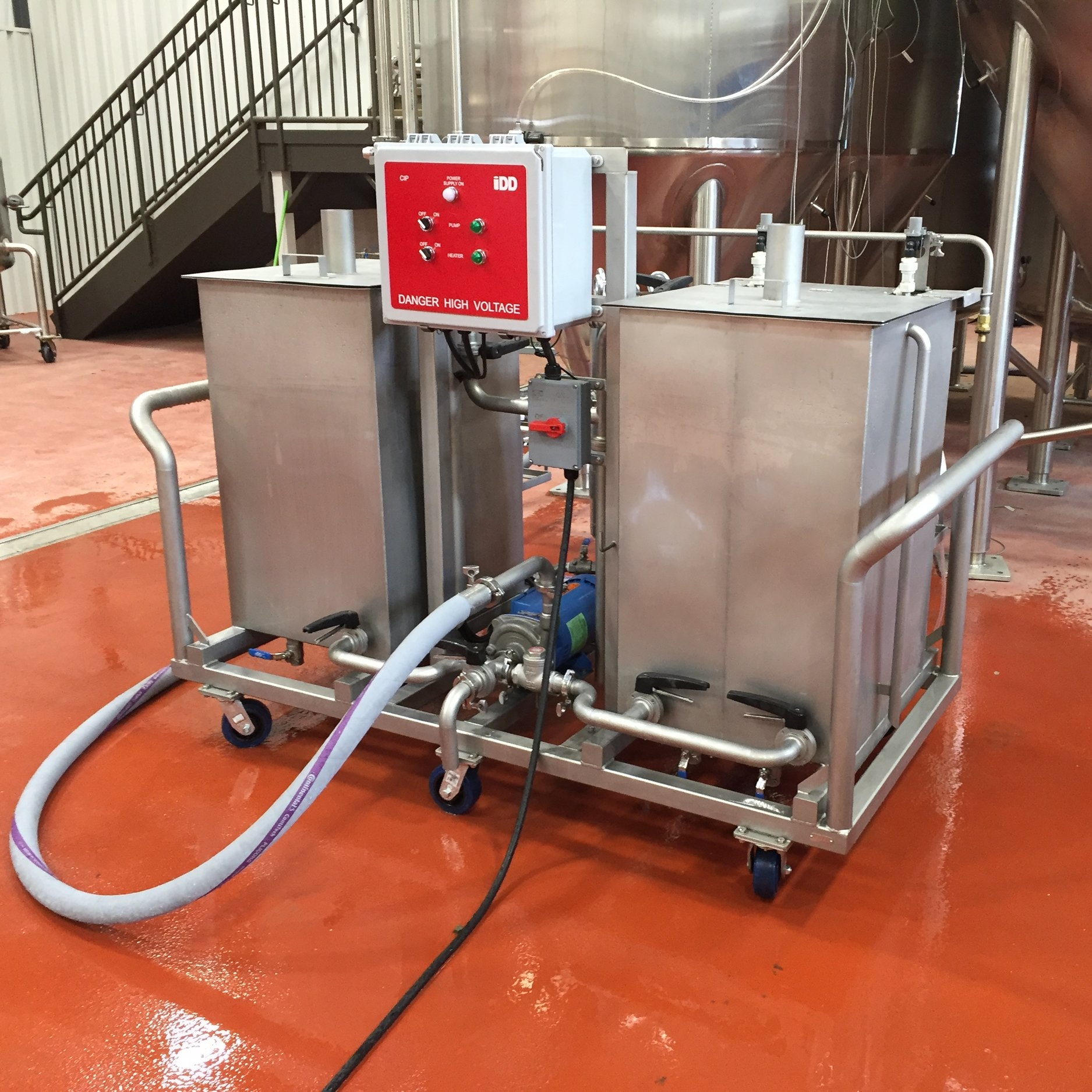 Mobile CIP Carts - Mobile carts allow CIP operations to be conducted throughout the brewery with minimal waste.  Our detergent boost pump is able to clean vessels up to 200 hL with ease.