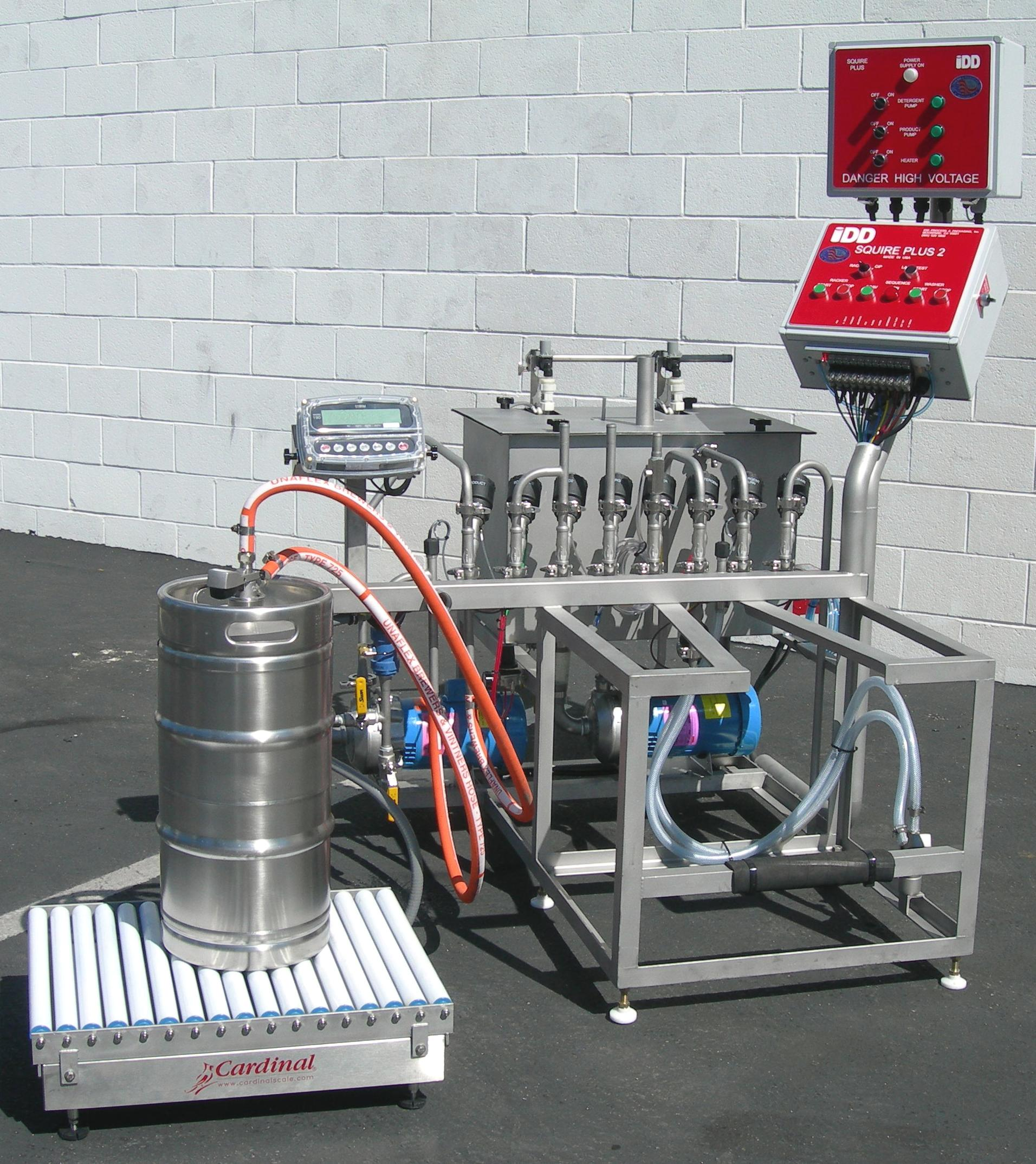 Squire Series - Up to 30 kegs washed/filled per hourFor most craft beverage manufacturers, the Squire line offers a state-of-the-art solution for keg washing, sanitizing,and filling. With over twenty years of Squires out in the world, this is our most popular and time-tested machine line.