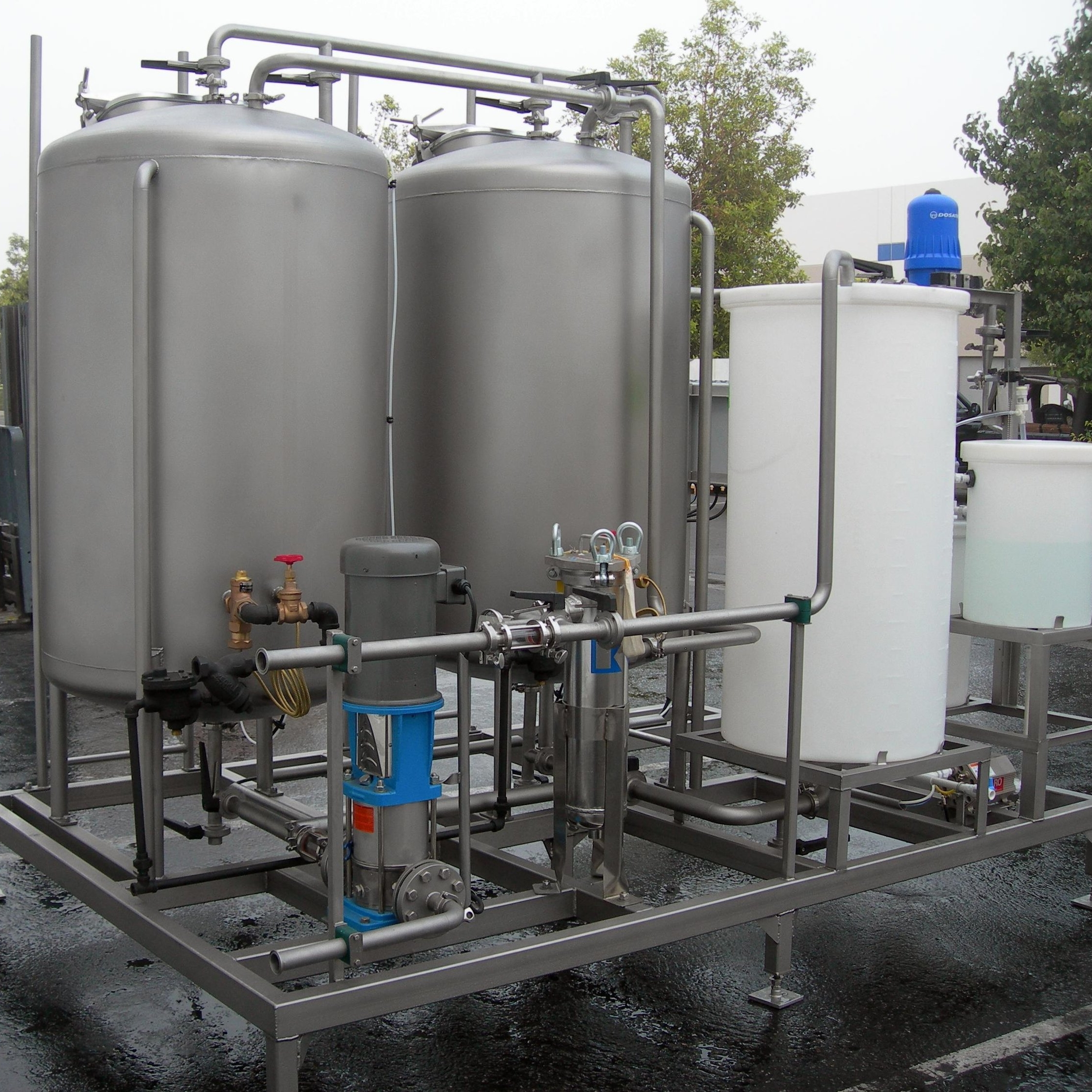 Static CIP Systems - For larger CIP/SIP demands, our static systems offer a large supply of heated detergent and precisely dosed sanitizer to the entire brewery.